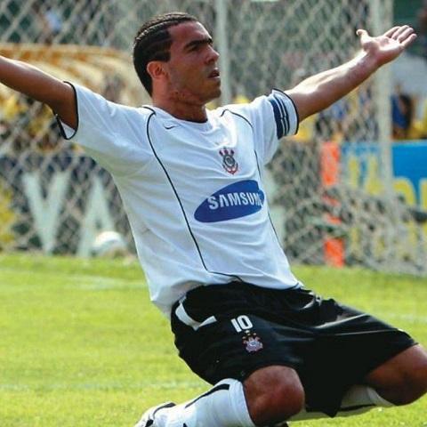Tevez atuou no Corinthians 2005/2006